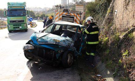 Acidente em Santo Tirso provoca dois feridos