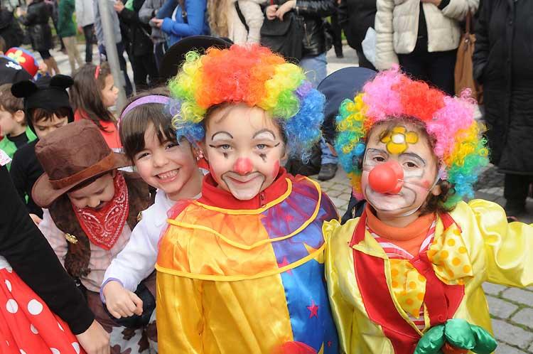Carnaval infantil de Famalicão reúne cerca de três mil crianças nas ruas da cidade
