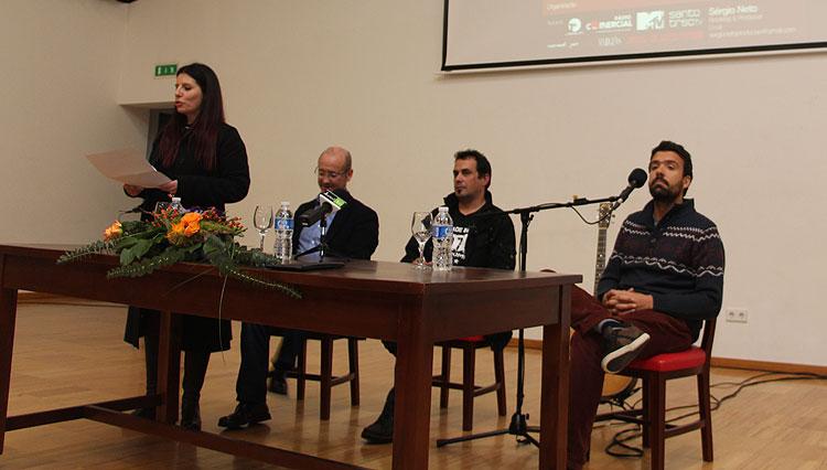Miguel-Arajo-conversa-com-alunos-da-Tomaz-Pelayo