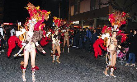 """Video – Samba """"aqueceu"""" ruas tirsenses"""