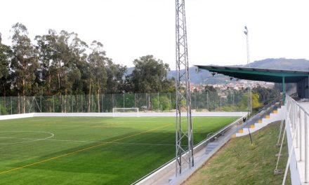 Paulo Cunha inaugura relvado sintético do Bairro FC