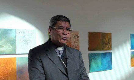 """D. Ximenes Belo e D. Jorge Ortiga debatem """"Valores numa Sociedade Moderna"""", em Famalicão"""