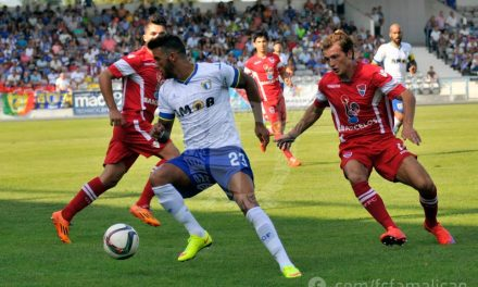Famalicão e Gil Vicente empatam a um golo em Barcelos