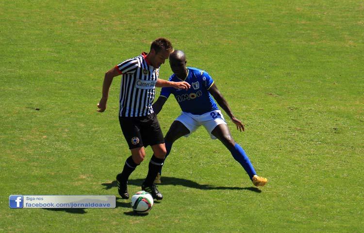 Famalicão venceu o Varzim e entra a ganhar na Segunda Liga