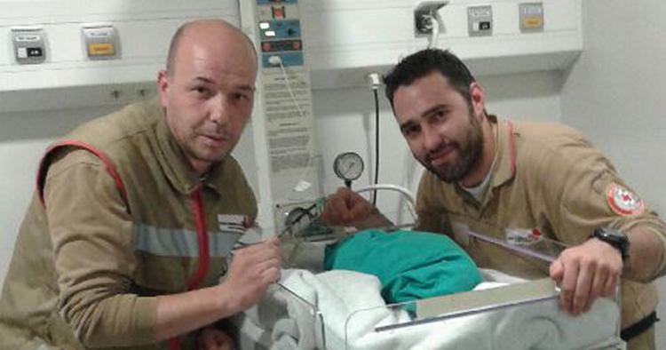 Bebé nasceu na ambulância da Cruz Vermelha de Ribeirão