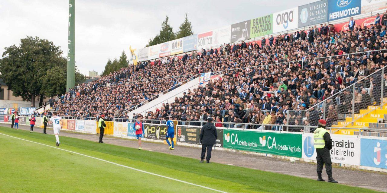 Famalicão sobe ao terceiro lugar ao vencer por 1-0 o Feirense