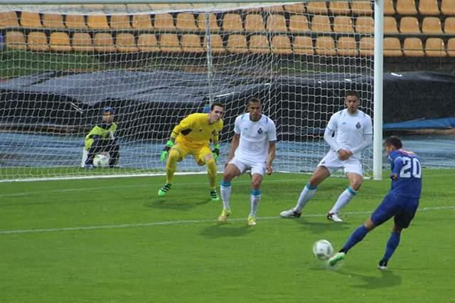 Famalicão vence FC Porto B com dois golos de Leandro