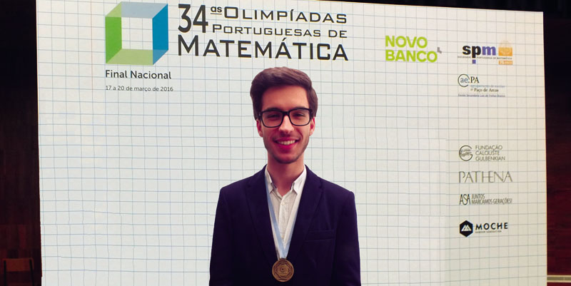"Ricardo Pereira de ""bronze"" nas Olimpíadas da Matemática"