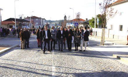 População saiu à rua para ver inauguração da Avenida Manuel Dias Machado (c/ vídeo)