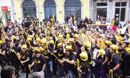 Cortejo Académico trouxe estudantes para a rua(c/ vídeo)
