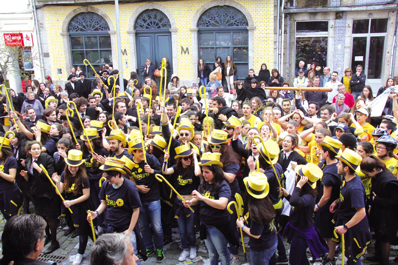 Cortejo Académico trouxe estudantes para a rua