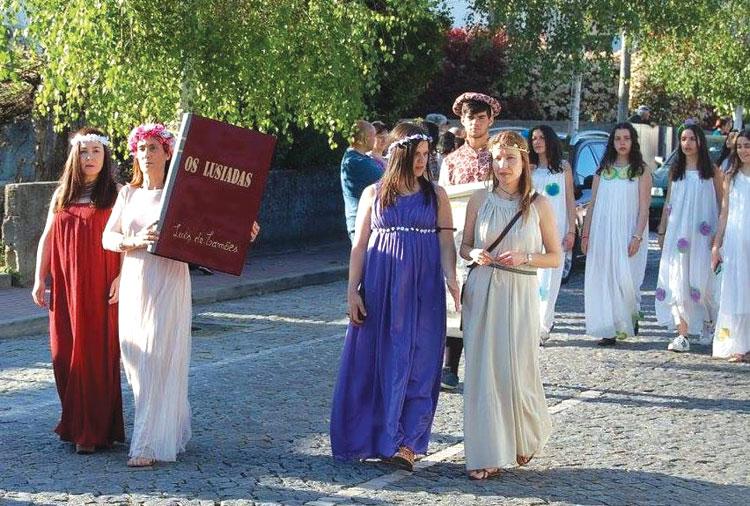 Desfile-Histrico-Vila-das-Aves