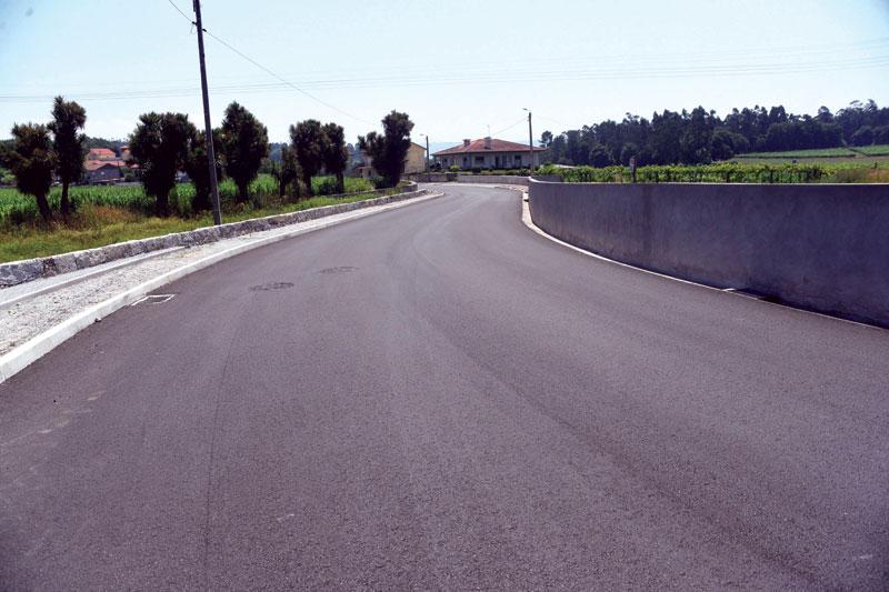 Cerca de 3,4 milhões de euros para requalificar estradas