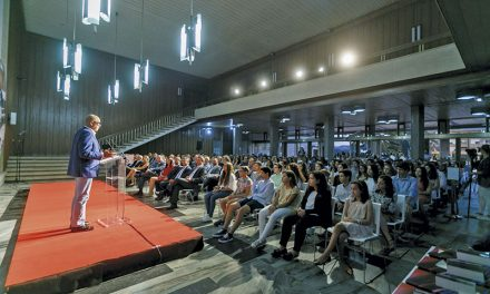 Câmara Municipal de Santo Tirso distingue melhores alunos do concelho