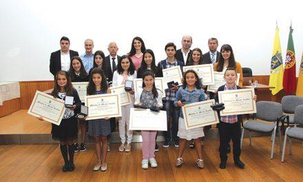 Roriz homenageia alunos com a melhor prestação em 2015/2016