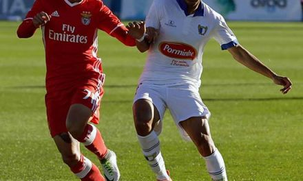 Famalicão e Benfica B anulam-se em jogo de eficácia zero