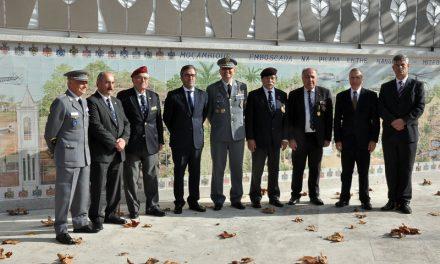 Ex-combatentes homenageados com mural em dia da Restauração