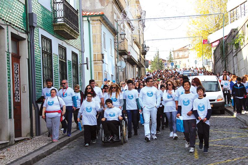 1.ª Caminhada Solidária da CAID atrai 500 pessoas