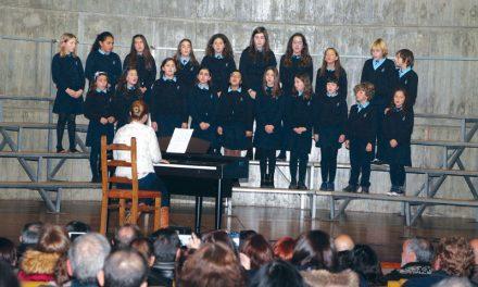 Coros paroquiais cantam aos Reis