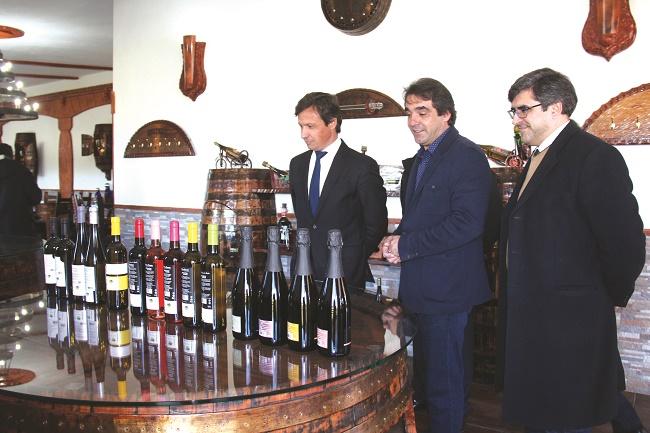 Paulo Cunha visitou maior produtor de vinho verde do concelho
