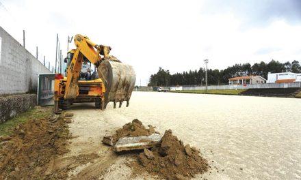 Obras no campo de futebol de Areias já arrancaram