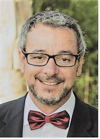 Cidálio Castro lança livro de poesia