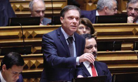 """Deputado acusa ministro da Saúde de """"mentir"""""""