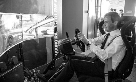 Novo simulador  recria forças G  de um carro de corrida