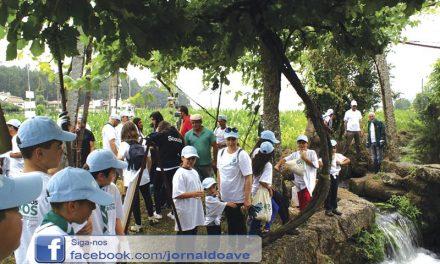 Margens do rio Guisande limpas por voluntários