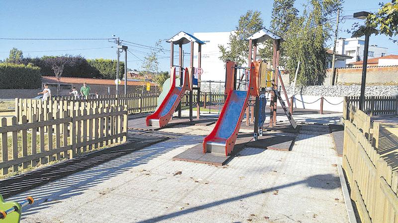 Parque Infantil vandalizado em Ribeirão