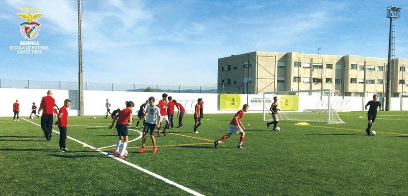 Benfica abriu escola de futebol em Santo Tirso