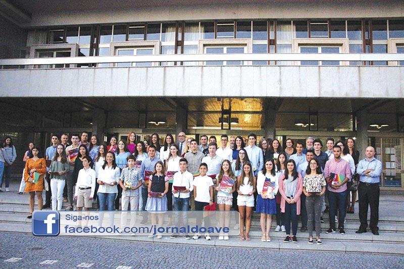 Município distinguiu 42 alunos
