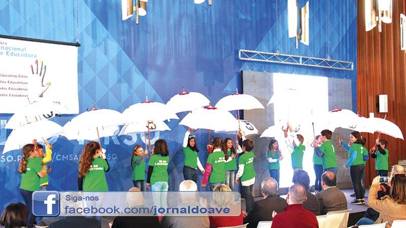 Alunos animaram átrio da Câmara no Dia das Cidades Educadoras