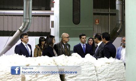 Caldeira Cabral visitou empresa tirsense