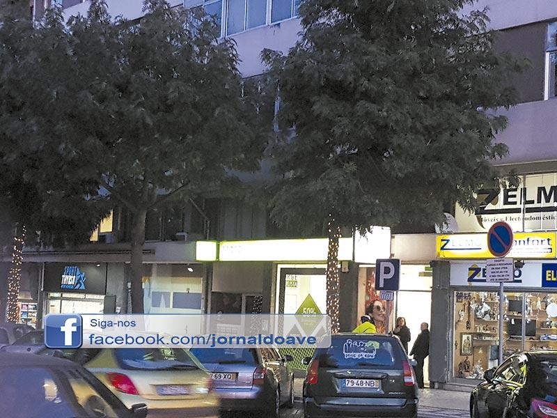 Comerciantes da Avenida de Sousa Cruz descontentes com iluminação de Natal