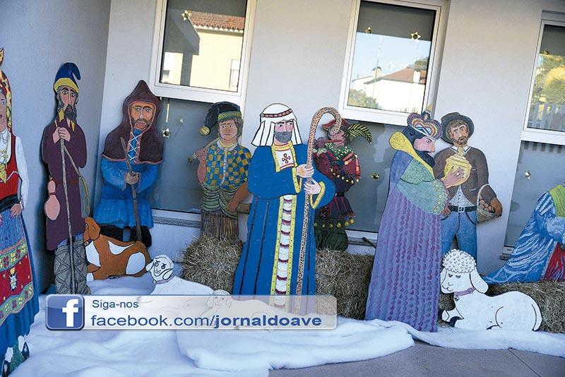 Crianças e seniores de Lousado inauguraram exposição de presépios