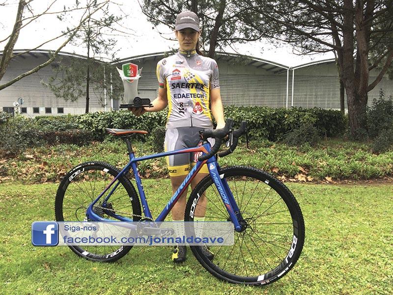 Daniela Pereira  conquista Taça de ciclocrosse