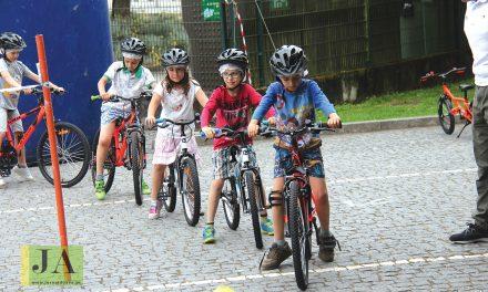 Em Santo Tirso a escola ensina os alunos a andar de bicicleta