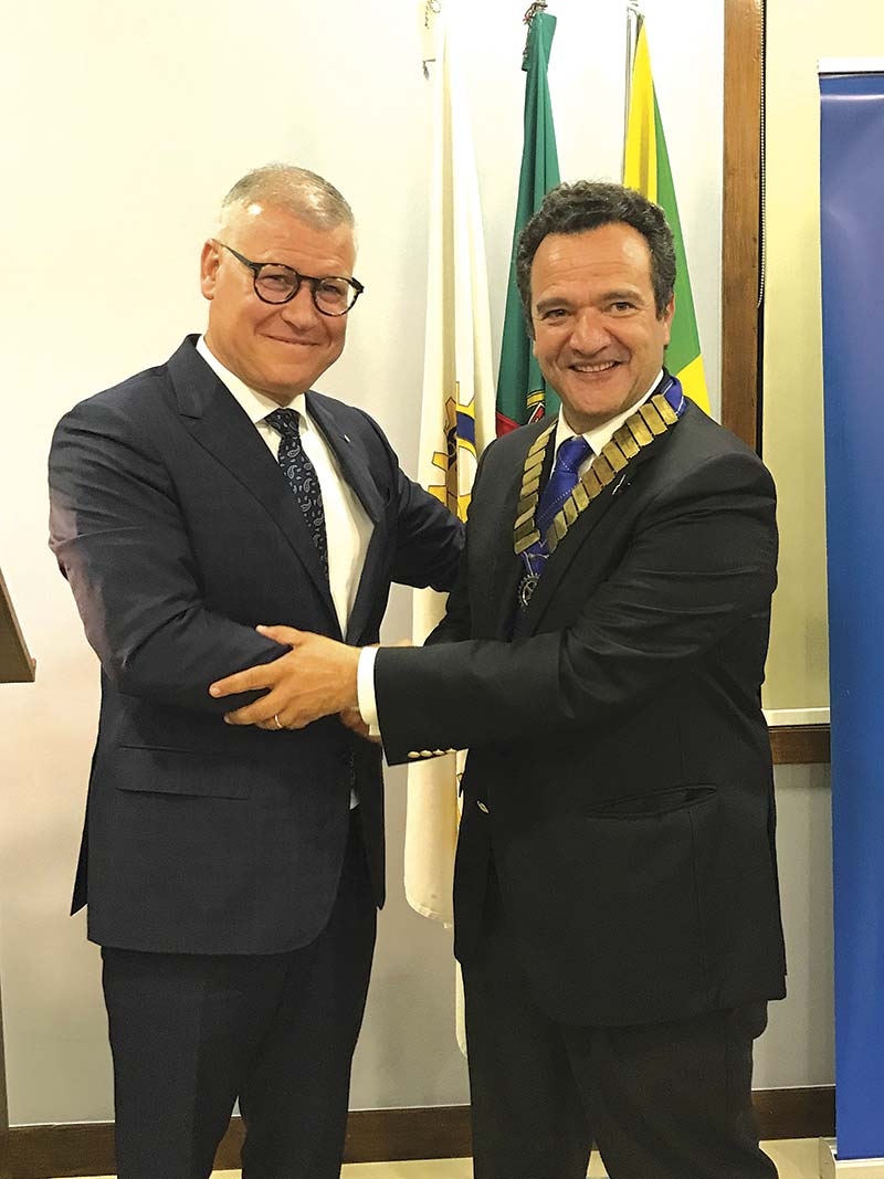 Miguel-Varela-preside-ao-Rotary-Club-de-Famalicão