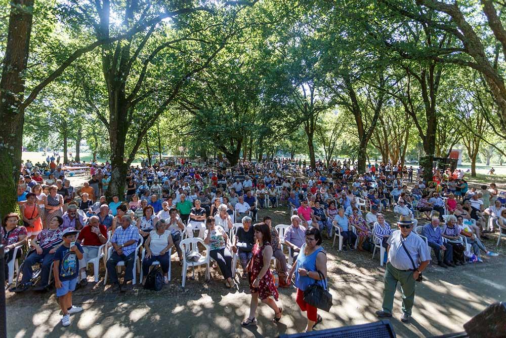 Parque-Municipal-Sara-Moreira-cheio-para-receber-o-Dia-dos-Avós