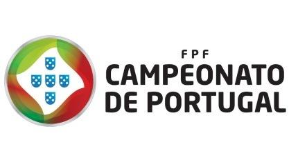 """Campeonato de Portugal: S. Martinho continua sem perder, Trofense perde em jogo a """"feijões"""""""