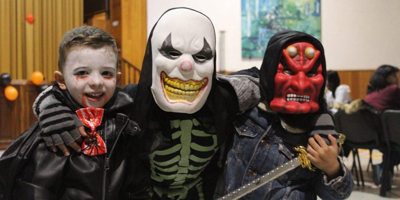 ADECA comemora noite de Halloween