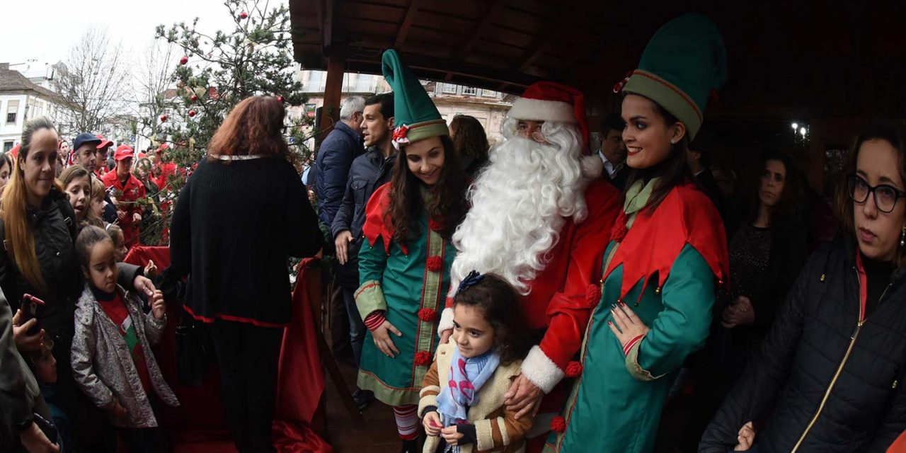Pai Natal recebe prendas na Cabana Solidária