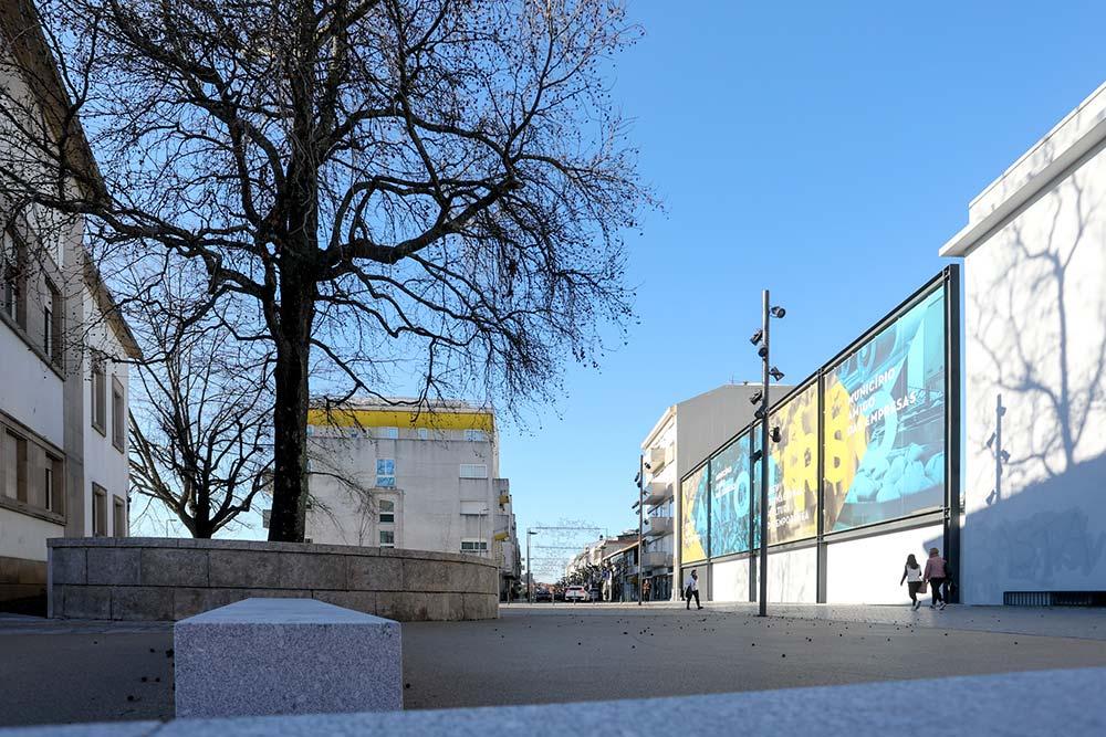 Nova-Praça-junto-ao-Tribunal-de-Santo-Tirso