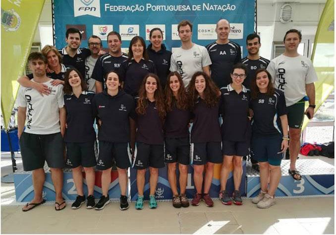 nadadores-ginásio
