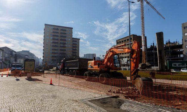 Requalificação da praça Camilo Castelo Branco em Santo Tirso concluída em julho