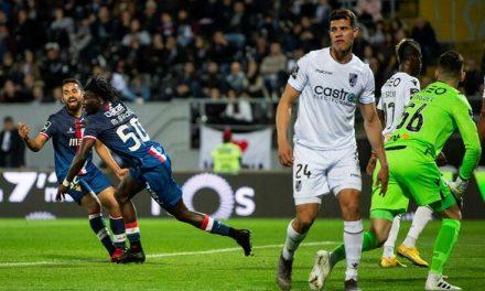 Aves vence em Guimarães e dá passo firme para a permanência