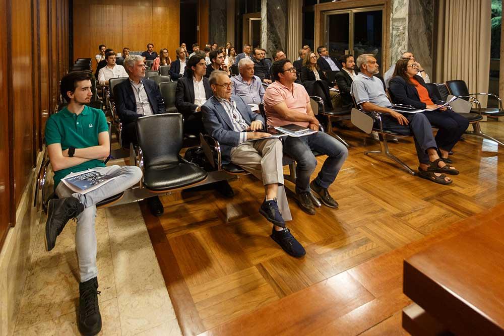 Conselho-Empresarial-reunido-no-salão-nobre-da-Câmara-de-Santo-Tirso