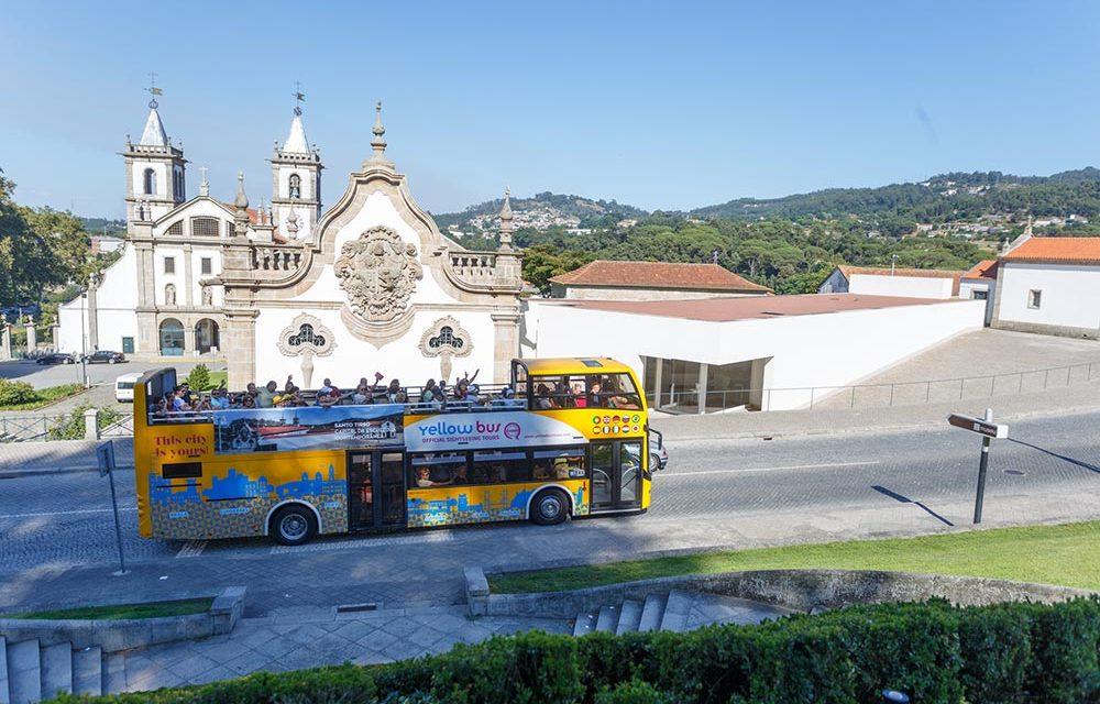Autocarro panorâmico volta às ruas de Santo Tirso