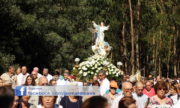 Procissão em Honra de Nossa Senhora da Assunção